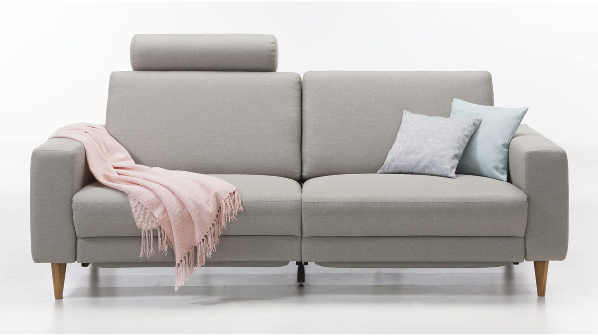 2 5 Sitzer Sofa Bzw Couch Lichtgrauer Bezug Idaho 2801 Geolte