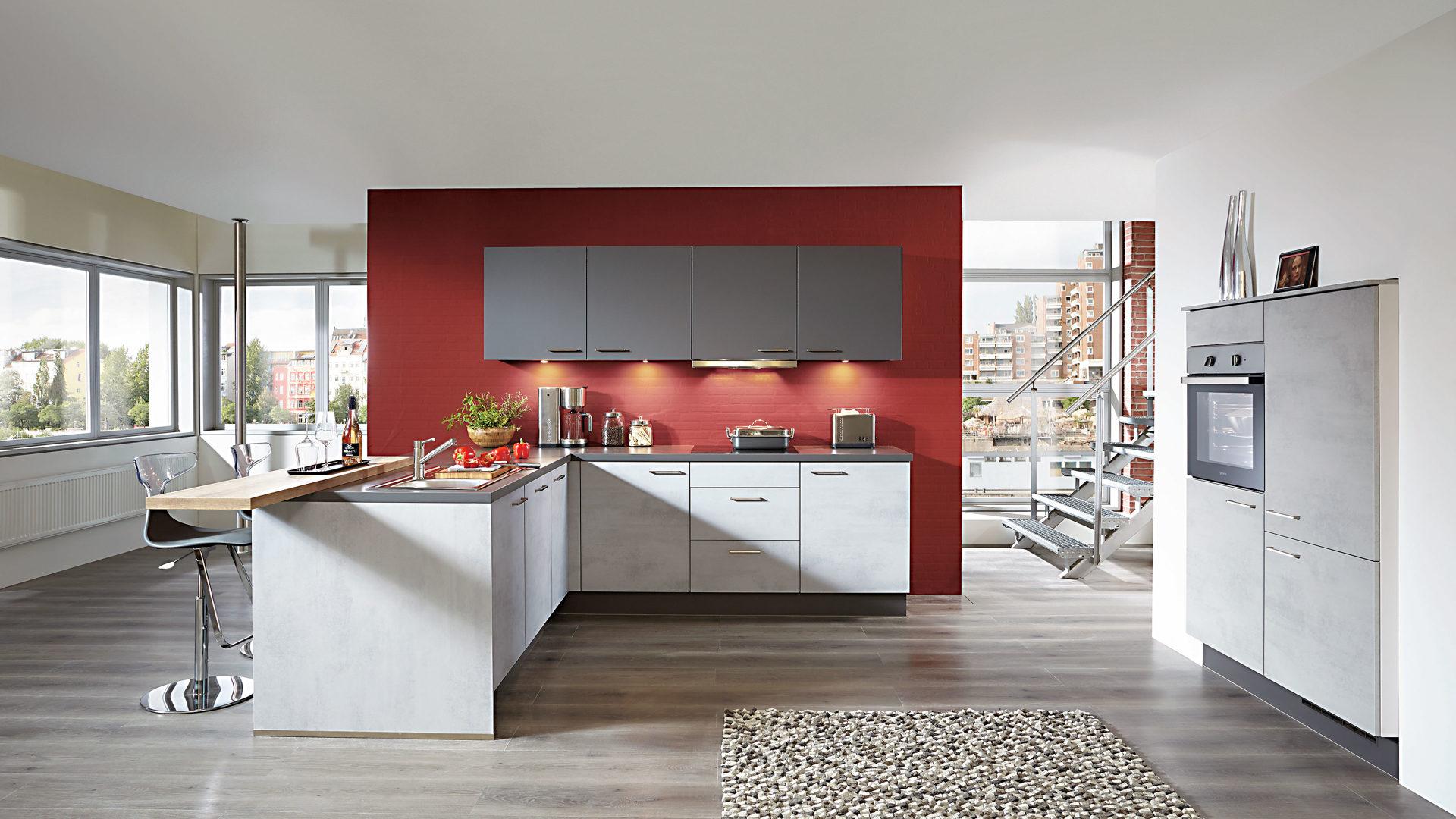 Küchen mit esstheke  Einbauküche mit gorenje-Elektrogeräten und Esstheke, beton ...