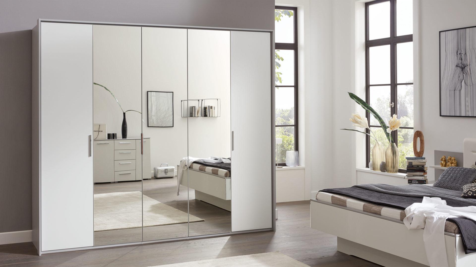 Interliving Schlafzimmer Serie 1011 – Kleiderschrank